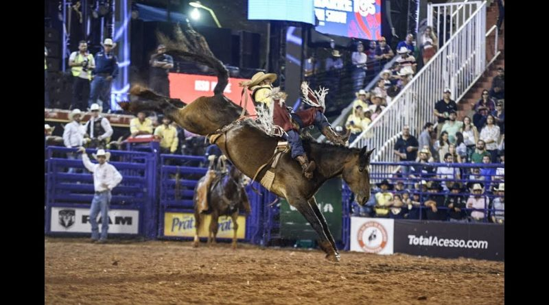 Festa de Barretos tem abertura das disputas do Rodeio Internacional nesta quinta